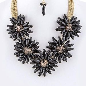 Chunky Black Gold Floral Collar Statement Necklace
